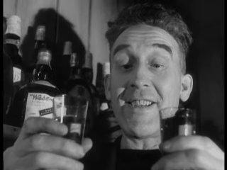 """""""¿El amor hace girar al mundo? No, en absoluto. El whisky lo hace girar dos veces más rápido"""".  Whisky Galore! (1949), #AlexanderMackendrick #film #goodnight #baby 🌙"""
