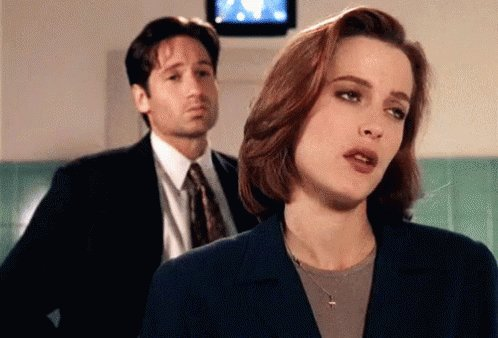 Apparently yesterday was Gillian Anderson s birthday. Happy Birthday Scully.