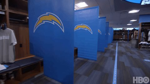 New look for the @Chargers, in more ways than one... #HardKnocks