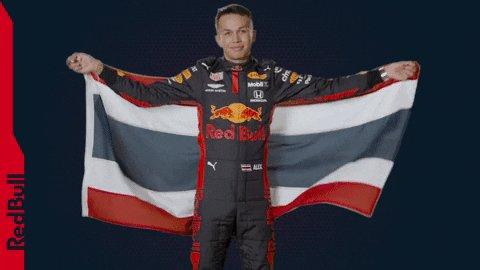 The pride of Thailand @alex_albon 👏🇹🇭 #F1