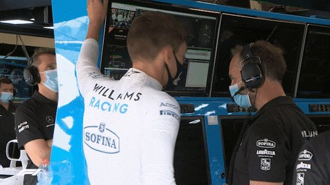 If you thought this race was winding down after that chaotic opening half...  #TuscanGP 🇮🇹 | #WeAreWilliams 💙