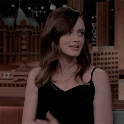 Happy birthday to the queen alexis bledel i love you lots <3333