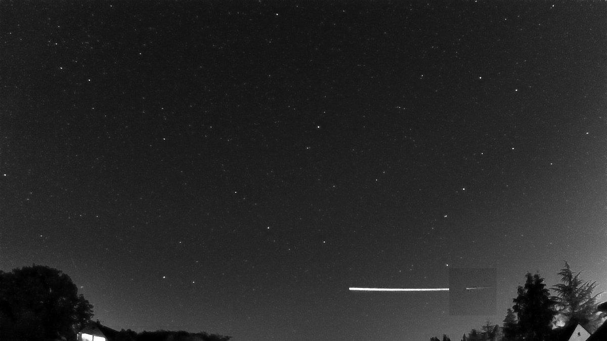 Meteoroid bouncing back into Space?  Eir94PlWAAgkAMP