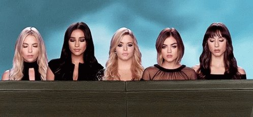 Currently watching #PLL Never gets old https://t.co/FRay1yJ41R