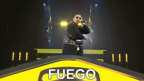 #QueTirePaLante supera las 700 millones de visitas en @YouTube   Checalo aquí ⬇️⬇️⬇️    @daddy_yankee #daddyyankee #DY #kingdaddy #Sikiri #dyarmy @nevarezpr @MaynaNevarez @YouTubeMexico @BarriofinoDYMFC #BarrioFinoDYMFC #Reggaeton