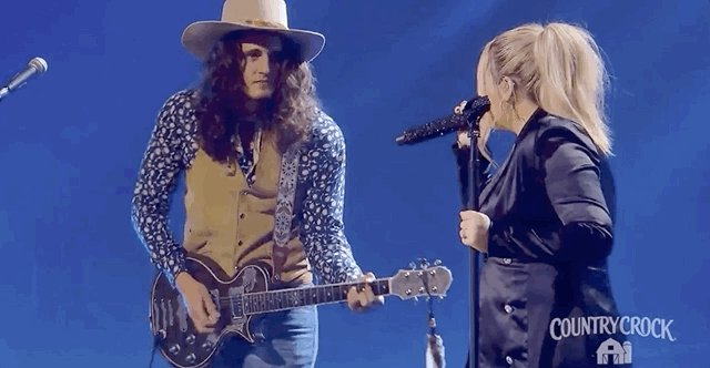 When your good one is right next to you ♥️ #iHeartCountry  @GabbyBarrett_ @CadeFoehner