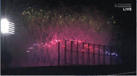 中日・滝野がプロ初ヒット→タイミング良く近くのイベントで花火があがり滝野を祝福