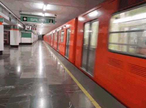 Metro Rojo GIF