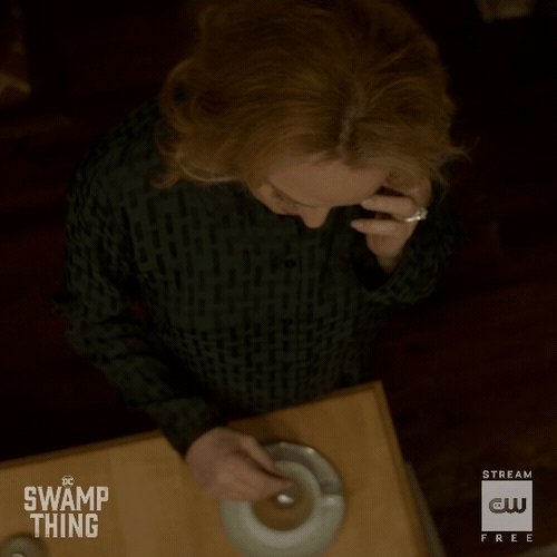 The swamp is working its magic. A new episode of #DCSwampThing starts NOW on The CW! https://t.co/Pc2i43F9wG