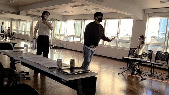 【テジュ公式】チームテジュ友達同士の雰囲気ではなく、演出と出演者として、熱い稽古が繰り広げられています。チケット販売中【日程】12/8~11【時間】22:30~毎回アフタートークがあります!お楽しみにーーー#テジュ#MARK#船岡咲#佐藤孝哲#配信