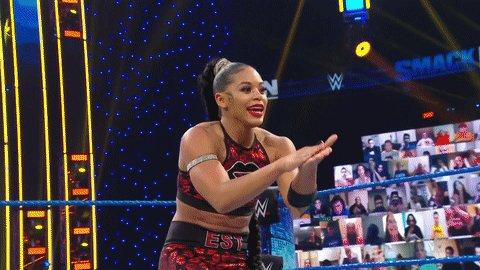 ¡Qué maravillosa sería una rivalidad entre Bianca Belair y Bayley en #SmackDown!  No hay mejor forma de elevar como estrella a 'The EST of WWE' que enfrentarla ante la principal estrella de la división femenina durante todo el 2020.