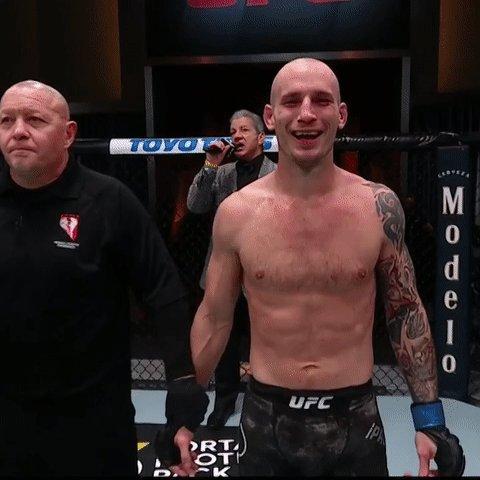 Short-notice stunner!  @PalatnikovMMA takes it in an absolute FOTN contender 👏 #UFC255 https://t.co/7qepYakCFG
