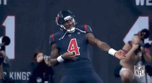 Deshaun was COOKING in the first half 🔥  🏈 18/23 Comp/Att 🏈 271 Total Yards 🏈 3 Total TDs