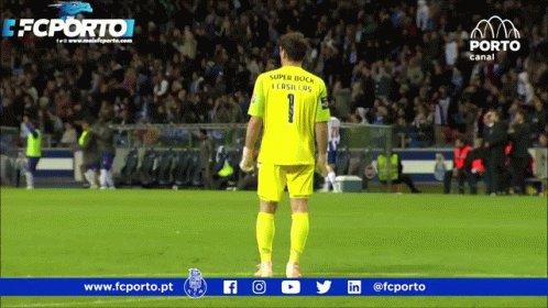 @IkerCasillas @FCPorto Siempre seremos Porto 💙🤍