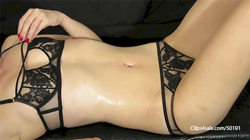 Dripping Ice On My Belly Button   https://t.co/xCA8QXPx86 via @clips4sale https://t.co/giLHboY4ep