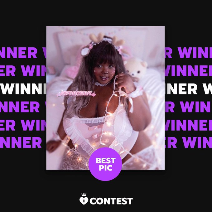 Congratulations to our Holiday Hottie Contest Best Pic & $100 prize winner Oppai Bby! 🎁   Your pic is