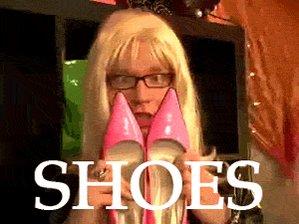 @mindykaling those are some fresh kicks.