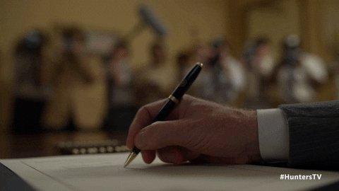 🙋🏼♀️Unique, fun Pens at #Freedombranding !! 👌🏻🔥 #handouts #pen #pens #realtor #realtorlife #WritingCommunity #business #businesscommunity #bloggerstribe #writing #author #writerslift #books #amwriting #realtors #bigbusiness #SmallBusiness #book