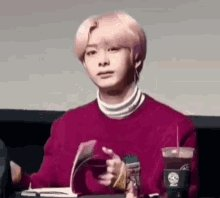 I'm in love with this GIF 😍 #HBDtoHYUNGWON #NobodyElseButHyungwon