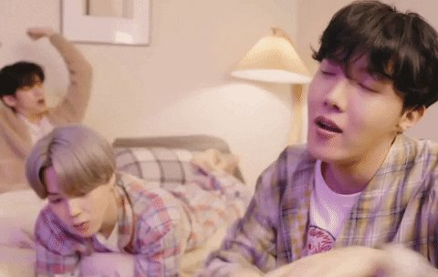 Tonight i really want to hear a song. @OnAirRomeo @MostRequestLive  please play #LifeGoesON by  @bts_bighit @BTS_twt  on #MostRequestedLive   This dong brings joy to many.