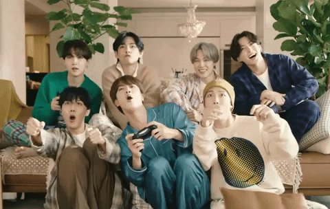Hello @OnAirRomeo would you please play #LifeGoesOn by @BTS_twt next hour?Thank you and Borahae 💜  #MostRequestedLive @MostRequestLive