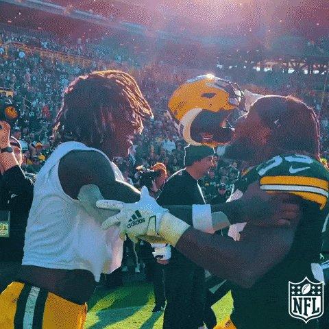 I love football 💚 🧀 💛 #PackersWin #GoPackGo #LARVSGB