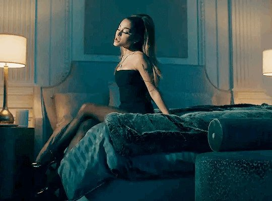 """Replying to @ArianaToday: """"positions"""" is #1 at US pop radio for a fifth consecutive week 〰🇺🇸"""