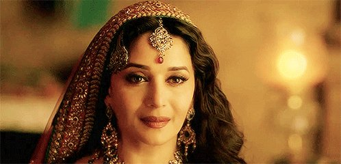 @MadhuriDixit Begum para is ❤️🙈 #7YearsOfDedhIshqiya
