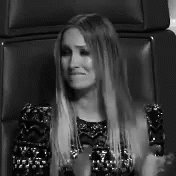 @ClaudiaLeitte @TheVoiceBrasil to pronta p me lascar, cantora