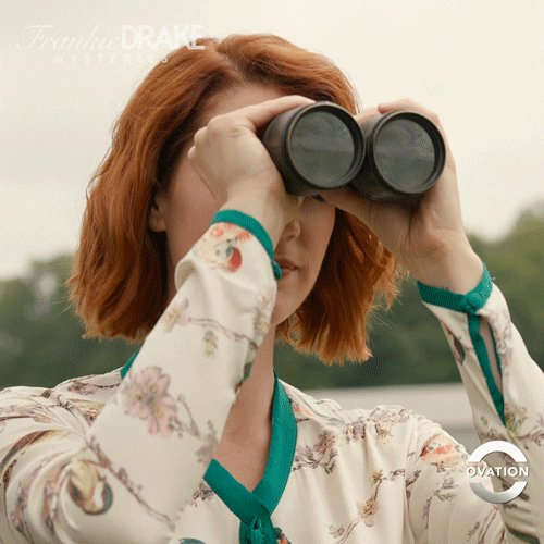 Boy Hazel is scoping out the beach looking for a girlfriend, or two!! #90DayFiance