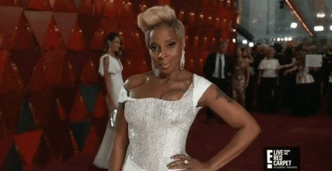 Happy birthday to my sista the 👑 @maryjblige!!! Every year you continue to inspire me 💗 #CapricornSeason