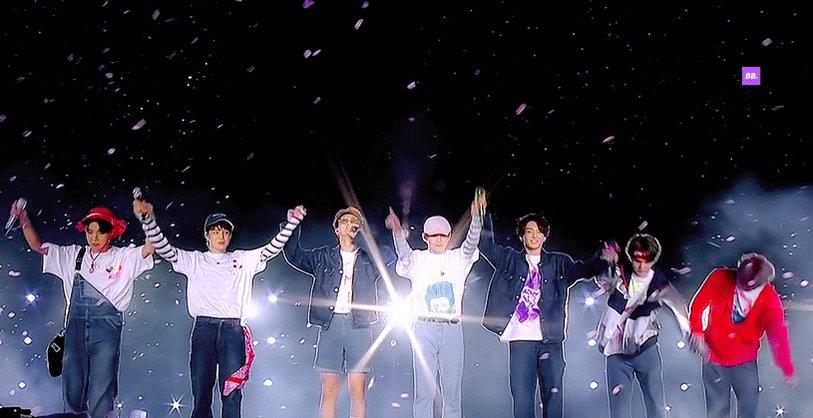우리 방탄 가온6관왕 축하해🎉   #방탄가온6관왕축하해   #7방탄너무소중 #BTS #방탄소년단 @BTS_twt