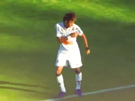 @FIFAcom @neymarjr @SantosFC @PSG_English @Libertadores @TheLibertadores @LibertadoresBR Menino da Vila ⚪⚫🐳