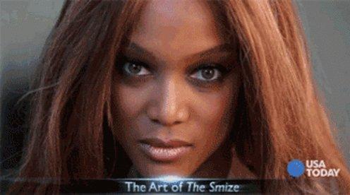No me molesta usar mascarillas y que podamos sonreír solo con la mirada como nos enseñó Tyra Banks  #Smize   😷👁👀