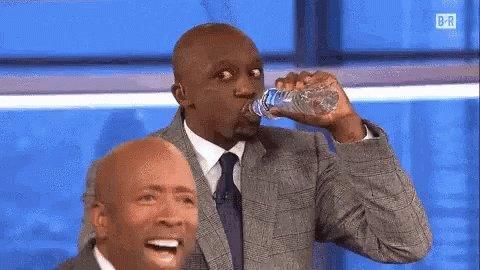 "When she says ""Take this water and hydrate, bitch"". 🥵 💦 @AriLennox @jsullivanmusic #HeauxTales #JazmineSullivan #AriLennox #OnIt"
