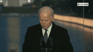 """""""Let us shine the lights in the darkness along the sacred pool of reflection and remember who we lost,"""" Pres.-elect Joe Biden says in solemn moment at lighting ceremony honoring victims of COVID-19. https://t.co/c7ZW4GUVZ3 https://t.co/kyrd4nbr3Q"""
