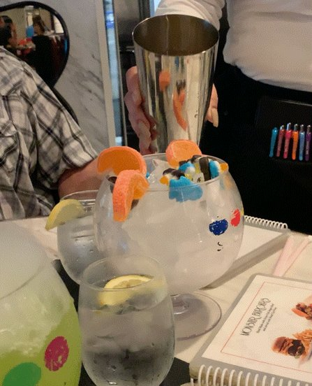 What is the most memorable drink you've had?   I don't drink alcohol so for me it's this non-alcoholic version of lollipop passion from Sugar Factory. The glass was almost as big as my face. 😂🍹 https://t.co/VXoRoj74hE