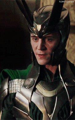 #HiddlesProps #TomHiddleston #Loki with helmet @HiddlestonSpam