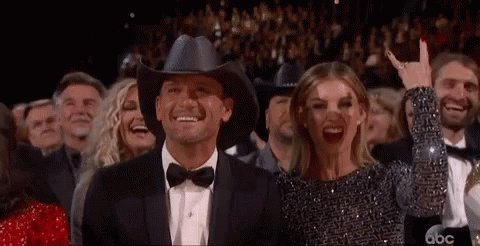 Wait so we're updating Florida Georgia Line's lineup with Tim McGraw... I'm good with that. #CelebratingAmerica #InaugurationDay