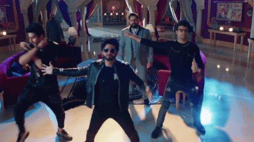 But baki sabka dance ek taraf aur aapka dance ek taraaf ... Aap cheelon🦅 ke #MadhuriDixit ho Shakura 💥🤗🤚😌🤩  #naagin5