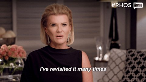 I'm so confused - is Elizabeth mad because people looked into her finances when the press had already announced she was a fraud? like girl, the rumours exist, stay incognito in your trailer if you're concerned #RHOC