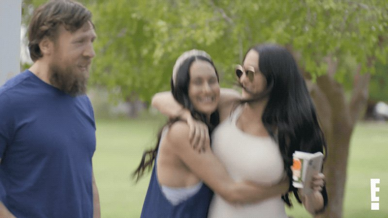 Replying to @totalbellas: Ready @BellaTwins? 😍 A new episode of #TotalBellas is starting right now on E!