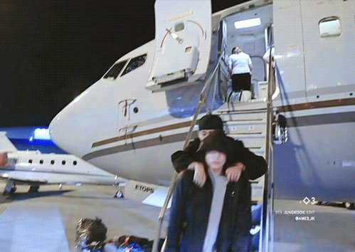 Replying to @minikookv: jungkook carrying his baby 🐻