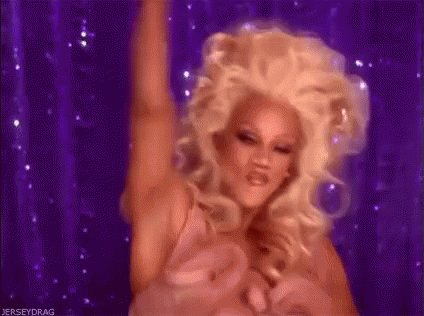 Whose excited for #DragRace  tonight?!? Whom you rooting for?!