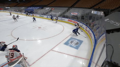 The passing on this @MapleLeafs goal is a thing of beauty. 🤭   #NHLonSN #ItsOn