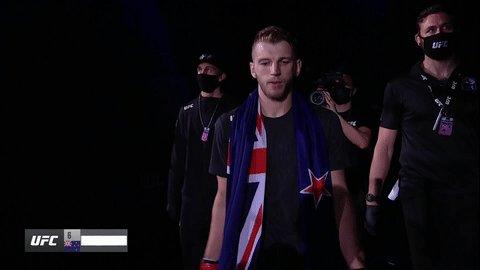 NEW ZEALAND STAND UP 🇳🇿 @DanTheHangman is making that walk!  #UFC257 #InAbuDhabi @VisitAbuDhabi
