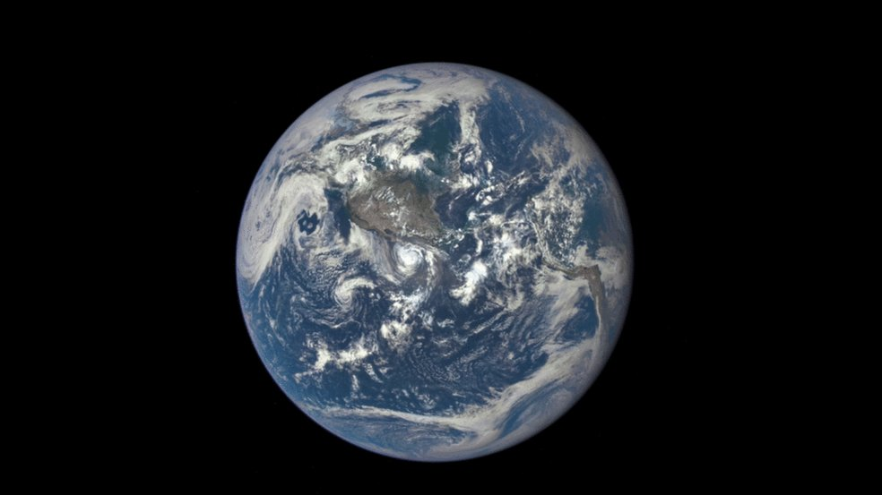 This is real imagery of the lunar far side with Earth in background via NASA's Deep Space Climate Observatory (DSCOVR). The spacecraft was 1.5 million km away from Earth and ~1.1 million km from the Moon when it took these 5 hours of footage