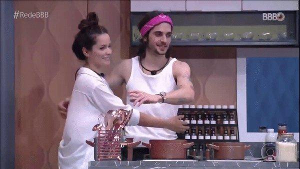 """""""Posso te abraçar?""""  #RedeBBB #BBB21"""