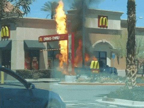 #IdBeTheFirstToPointOut you forgot my Ketchup!