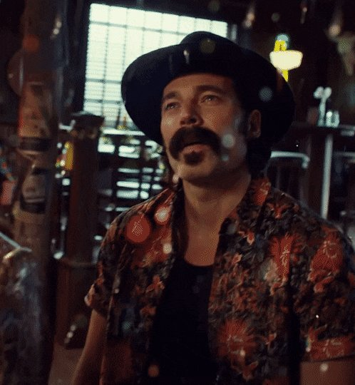 Replying to @MissMillieGuns: My face whenever Doc Holliday is in a #WynonnaEarp scene:
